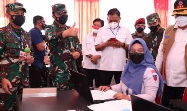 Panglima TNI Meninjau Serbuan Vaksinasi di Sulut