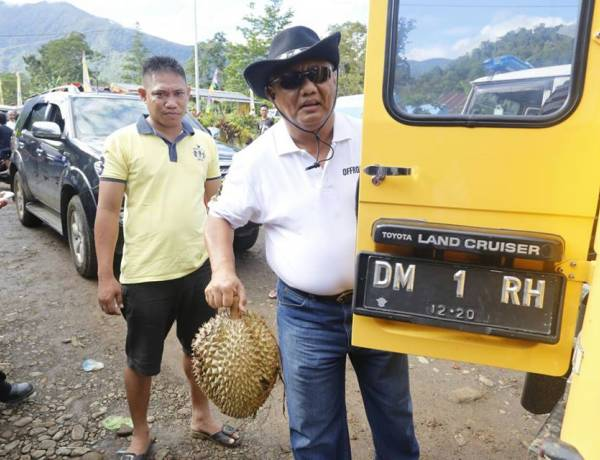 Sosok Gubernur Gorontalo Rusli Habibie Di Mata Sahabat