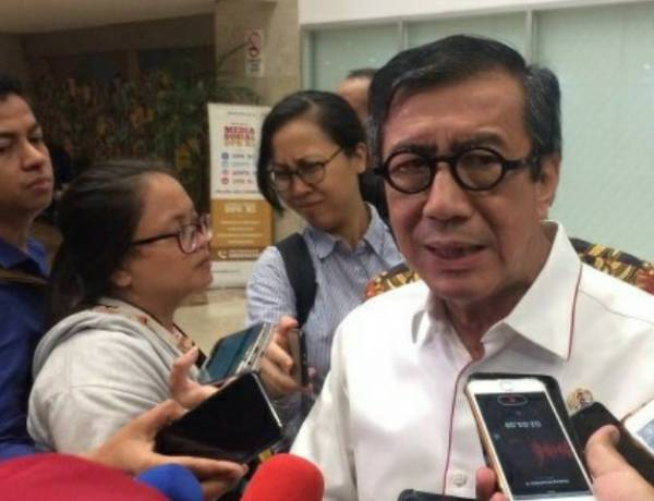 DPR Minta Bebas Visa Turis China Dicabut